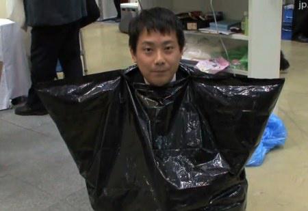 说是马桶实际就是一个黑色的塑料袋